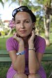 Frau im rosafarbenen Kleid Lizenzfreie Stockfotos