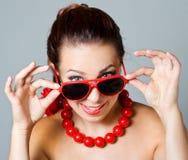 Frau im Rot Stockfoto