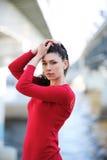 Frau im Rot Stockfotografie