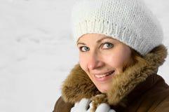 Frau im Schnee Lizenzfreies Stockbild