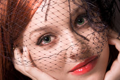 Frau im schwarzen Schleier stockbilder
