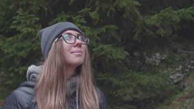 Frau im Wald stock video footage