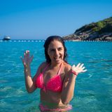 Frau im Wasser stockfoto
