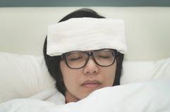 Frau ist krank Lizenzfreie Stockbilder