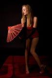 Frau mit asiatischem Regenschirm Lizenzfreies Stockbild
