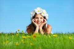 Frau mit Blume Diadem stockfotos