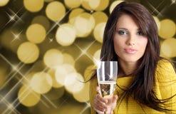 Frau mit Champagner Lizenzfreies Stockbild