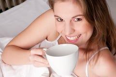 Frau mit Cup Stockfotografie
