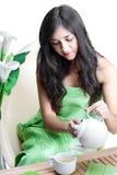 Frau mit Cup von Coffe Lizenzfreies Stockbild