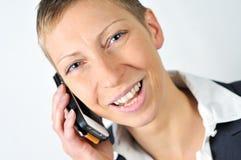 Frau mit dem beweglichen Lachen Lizenzfreie Stockfotos