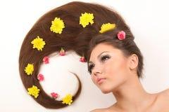 Frau mit dem flüssigen Haar lizenzfreies stockbild