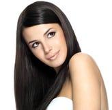 Frau mit dem langen geraden Haar Stockfotografie