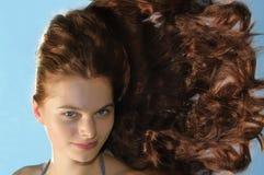 Frau mit dem langen Haar Stockfotografie