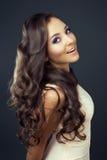 Frau mit dem langen Haar Stockbilder