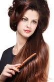 Frau mit den langen braunen Haaren Lizenzfreies Stockfoto