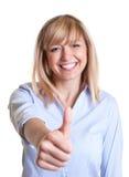 Frau mit dunklen Augen Positiv denkend lizenzfreie stockbilder