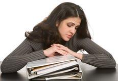 Frau mit Notizbüchern Stockbild