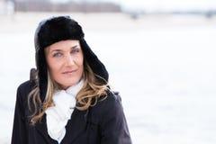 Frau mit einem Hut Lizenzfreie Stockbilder