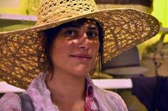 Frau mit einem Hut Lizenzfreies Stockfoto
