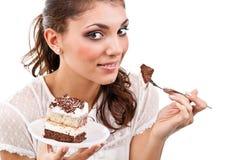 Frau mit einem Kuchen Stockbilder