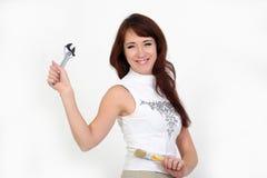 Frau mit einem Schlüssel Lizenzfreie Stockfotos
