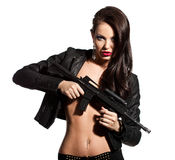 Frau mit einer Gewehr in den Händen lizenzfreie stockfotografie