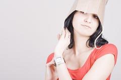 Frau mit Einkaufstasche lizenzfreie stockfotos