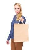 Frau mit Einkaufstasche Lizenzfreies Stockbild