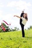 Frau mit Farbband Lizenzfreie Stockfotos