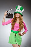 Frau mit Filmbrett Lizenzfreie Stockfotos