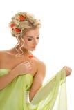 Frau mit frischen Frühlingsblumen stockbilder