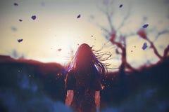 Frau mit gebrochenem Effekt auf ihren Körper, der den Sonnenaufgang schaut Lizenzfreie Stockfotografie