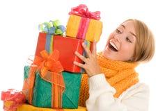 Frau mit Geschenken Stockfoto