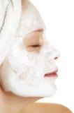 Frau mit Gesichtsschablone Lizenzfreies Stockbild