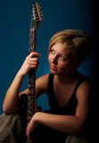 Frau mit Gitarre Lizenzfreies Stockfoto