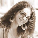 Frau mit Gläsern lizenzfreie stockfotos