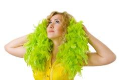 Frau mit grüner Boa Lizenzfreies Stockbild
