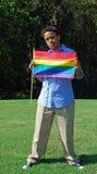 Frau mit homosexueller Stolz-Markierungsfahne 2 Stockbild