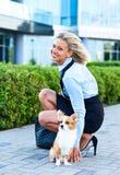 Frau mit Hund Stockbild