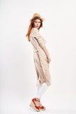 Frau mit Hut, Mode, Art Lizenzfreies Stockbild