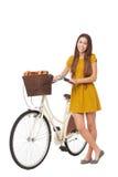 Frau mit ihrem Fahrrad Stockfoto