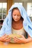 Frau mit Kälten Lizenzfreies Stockfoto