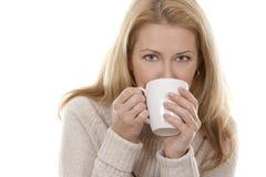 Frau mit Kaffee Lizenzfreie Stockfotos