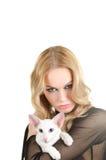 Frau mit Katze Lizenzfreie Stockfotografie