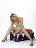Frau mit Koffer-Problem Lizenzfreie Stockbilder