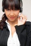 Frau mit Kopfhörer Stockfoto