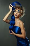 Frau mit kreativer Frisur Lizenzfreie Stockfotografie