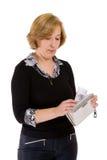 Frau mit Kreditkarte Lizenzfreie Stockfotos