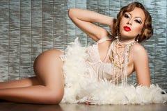 Frau mit Kunst-Antlitz - Burlesque Lizenzfreie Stockbilder