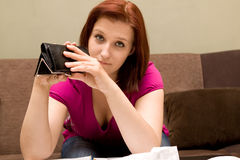 Frau mit leerer Mappe Stockbilder